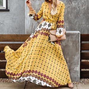 VICI   Printed Yellow Long Sleeve Maxi Dress Med